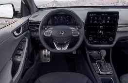 Hyundai Ioniq hybrid, 2019, interior
