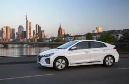 Hyundai Ioniq Plug-in Hybrid, 2017, side