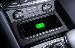 Hyundai Ioniq, wireless phone charger