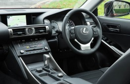 Lexus IS 200t, interior