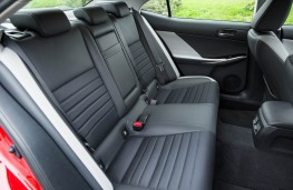 Lexus IS 200t, rear seats