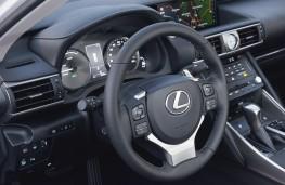 Lexus IS, 2017, dashboard