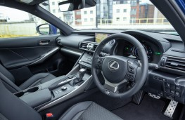 Lexus IS 300h, 2017, interior