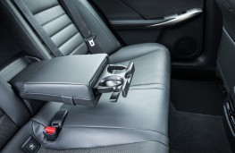 Lexus IS 300h, 2017, rear seats