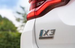BMW iX3, 2021, badge