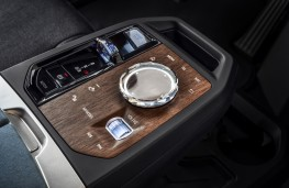 BMW iX, 2020, gear selector and controls