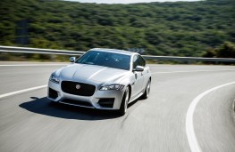 Jaguar XF, 2016, front, action