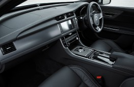 Jaguar XF, 2016, interior