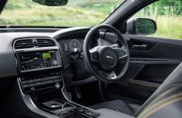 Jaguar XE 300 Sport, 2018, interior
