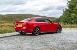 Jaguar XE 300 Sport, 2018, side