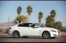 Jaguar XF, side