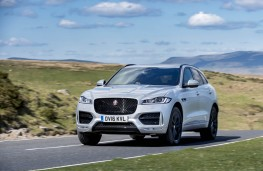 Jaguar F-Pace, front action 3