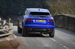 Jaguar E-PACE, rear action