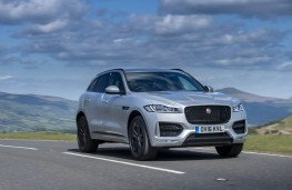 Jaguar F-Pace, front action 2