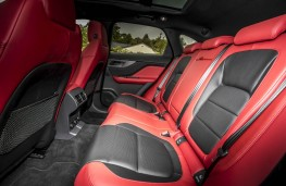 Jaguar F-Pace, rear seats