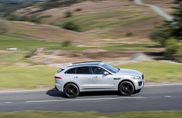Jaguar F-Pace, side action 2