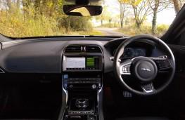 Jaguar XE, dashboard