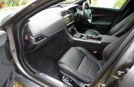 Jaguar XE R-Sport, front seats