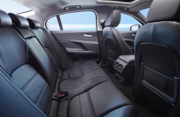 Jaguar XE, rear seats