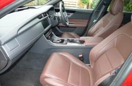 Jaguar XF, front seats