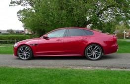 Jaguar XF R-Sport, side static 2