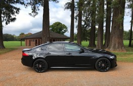 Jaguar XF R-Sport, side