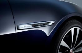Jaguar XJ50 badge detail