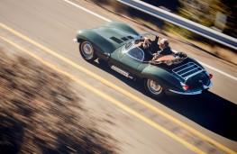 Jaguar XKSS rear overhead action