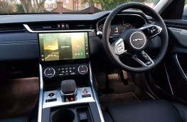 Jaguar XF R-Dynamic HSE P300, cabin