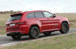 Jeep Grand Cherokee Trackhawk rear action