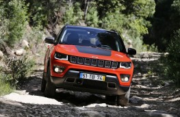 Jeep Compass, action front 4