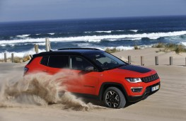 Jeep Compass, action sand
