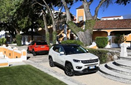 Jeep Compass, static duo