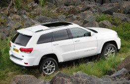 Jeep Grand Cherokee, side offroad