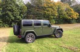 Jeep Wrangler Anniversary Edition, side