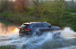 Jeep Grand Cherokee, off road, water splash