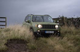 Jeep Renegade, 75th Anniversary, off road, front
