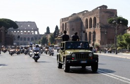 Jeep in Rome