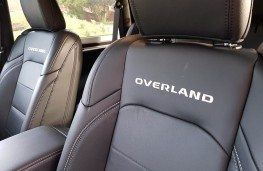 Jeep Wrangler 2.0 Overland 2DR, seats