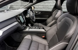 Volvo S60, interior
