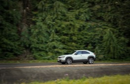 Kia Picanto GT-Line, side
