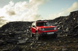 Jeep Renegade 4xe, 2020, off road, front, static