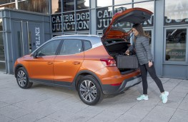 SEAT Arona Xcellence, 2018, boot loading
