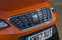 SEAT Arona Xcellence, 2018, grille