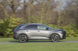 DS 7 Crossback, 18-plate, side, action