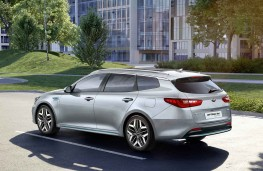 Kia Optima Sportswagon PHEV 2019 rear threequarter