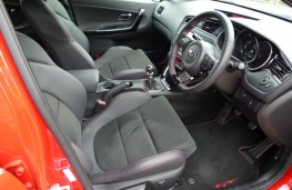 Kia cee'd GT, front seats 2