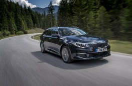 Kia Optima Sportswagon, front action