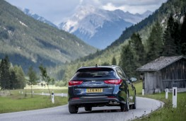 Kia Optima Sportswagon, rear action