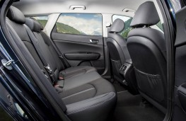 Kia Optima Sportswagon, rear seats